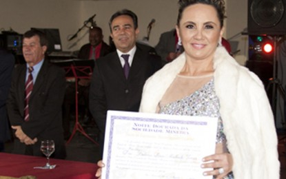 Renomada dentista, Betânia Lessa Machado Torres é Gente de Expressão MG.