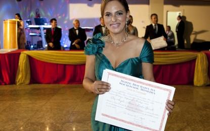 Psicóloga Ângela Maria Nicoláo Gavioli, de Divinópolis, Gente de Expressão de Minas Gerais em 2014 e 2015
